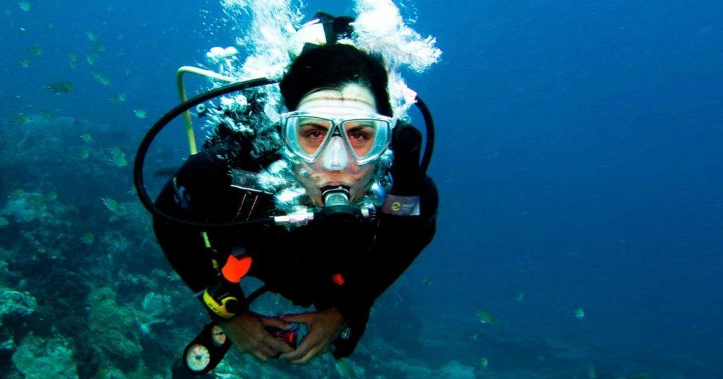 scuba-diver-canary-islands-mogan-marina-apartments--1024x537