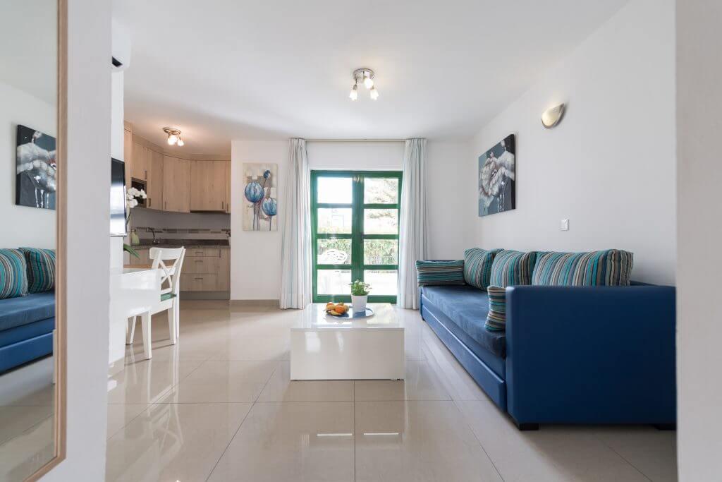 bedroom-lower-floor-big-balcony-2