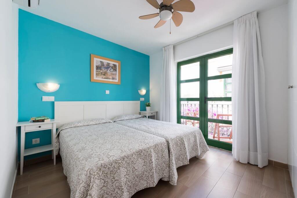 bedroom-roof-terrace-harbour-view-2
